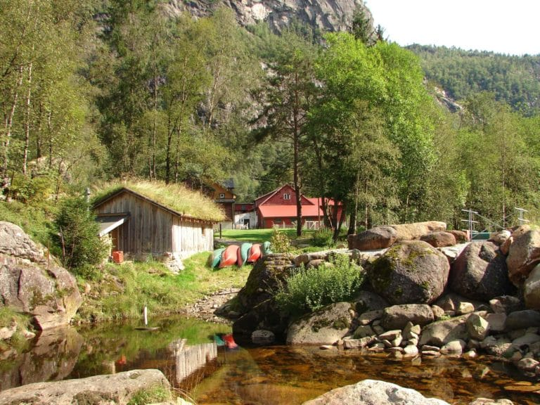 spa sauna norway nature booking sirdal husky farm
