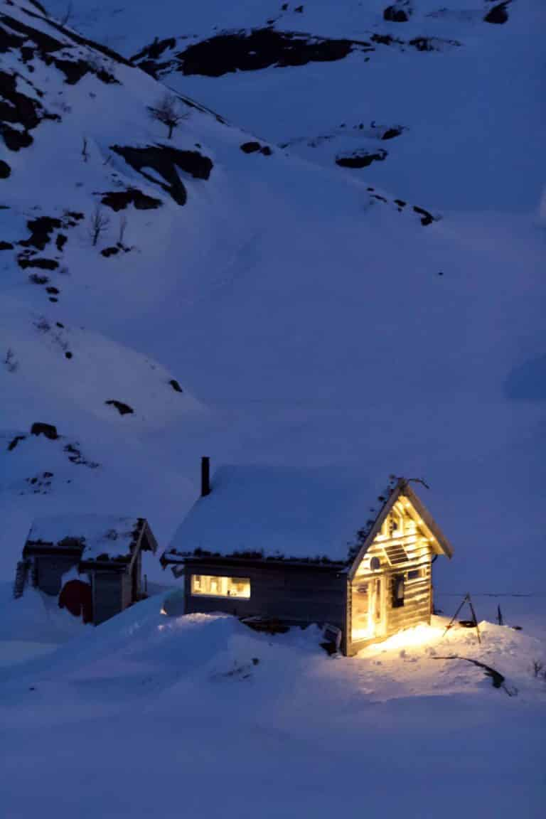 Premium Adventure norway vacation cabin nature travel booking husky farm